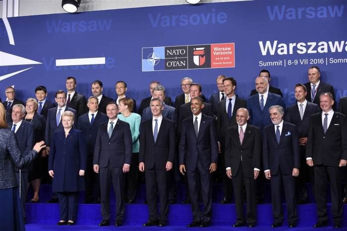 160708-world-nato-leaders-warsaw-1014_b393f01d93bd0073fcb9d89eff532bd6-nbcnews-ux-2880-1000